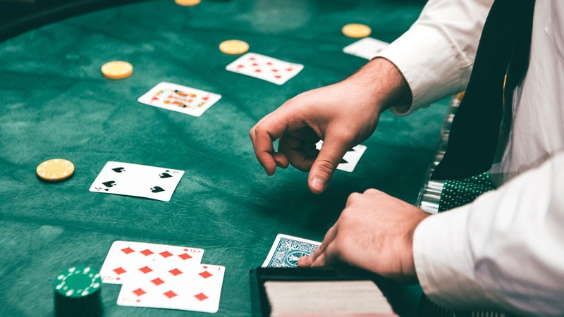 Have Convenience And Comfort With Online Gambling Games